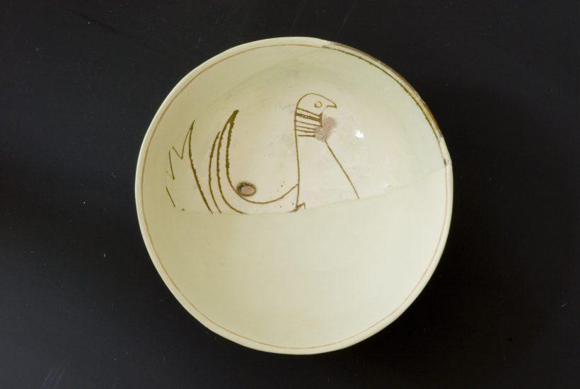Εφυαλωμένη κούπα με εγχάρακτη απεικόνιση πτηνού